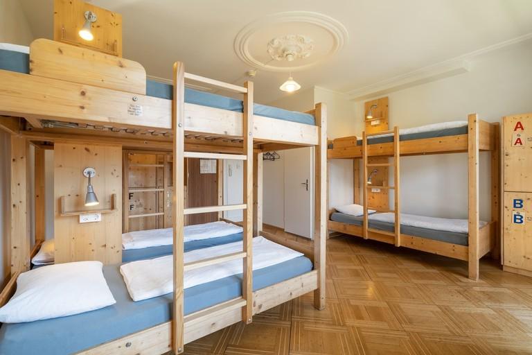 Backpackers Villa Sonnenhof - Hostel