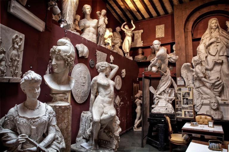 Canova Tadolini statue cafe, Rome, Italy