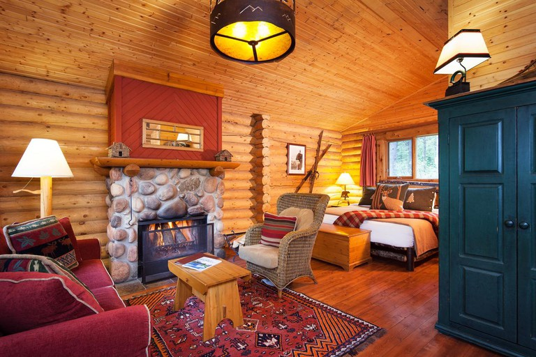 Cathedral Mountain Lodge11
