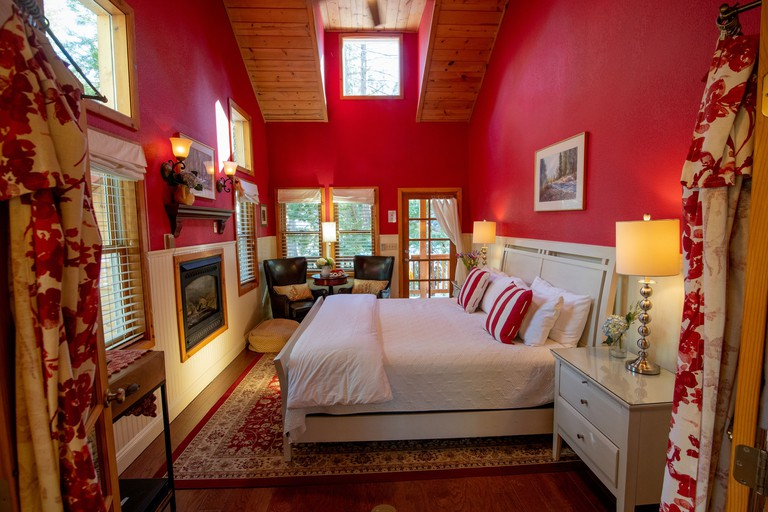 Elliott House Bed & Breakfast