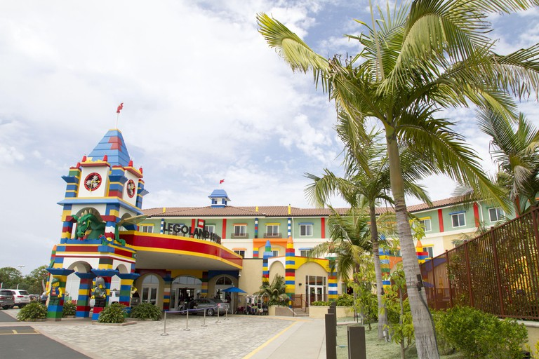 Los Angeles, California, USA. 6th Aug, 2015. The Legoland Hotel at Legoland in Carlsbad, California. The three-story, 250-room hotel is located at the entrance of Legoland California theme park. © Ringo Chiu/ZUMA Wire/Alamy Live News