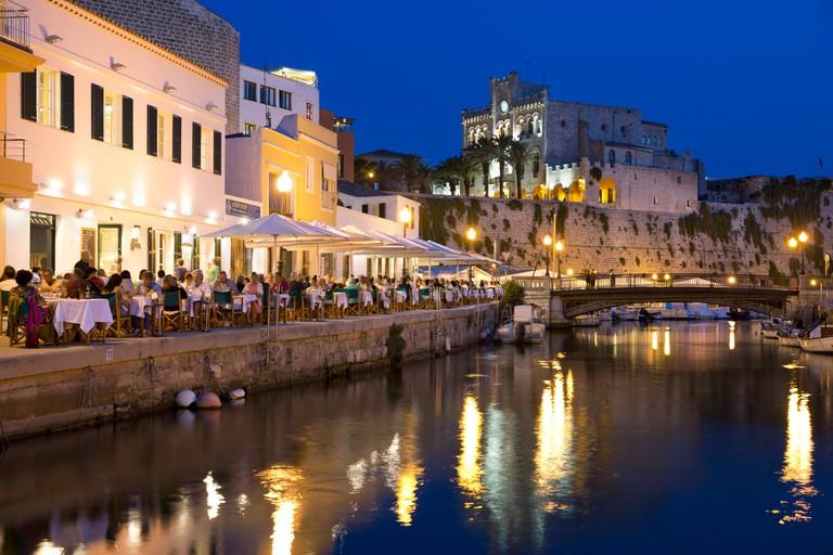 Cafe Balear and Ayuntamiento de Ciutadella at night, Ciutadella, Menorca, Balearic Islands, Spain, Mediterranean, Europe