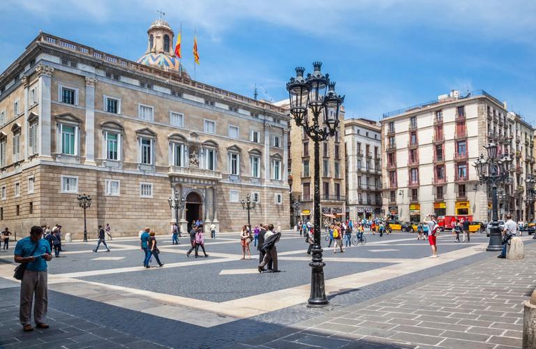 Spain, Catalonia, Barcelona, Ciutat Vella, Barri Gotic, Palace of Generalitat of Catalonia at Placa de Sant Jaume