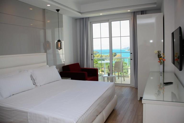 Hotel Luxury, Ksamil