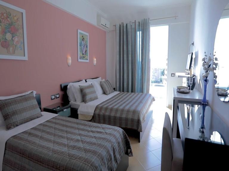 Hotel Oasis, Saranda