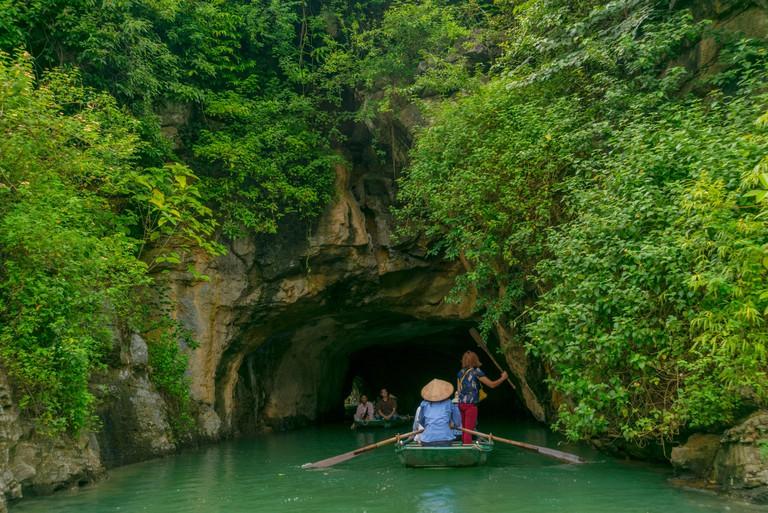 Vietnam,Ninh Binh, lifestyle, travel, landscape,trip,experience,adventure,tourist,holidays,landscape,colors,buddha,temple,street,commerce,bike,lake