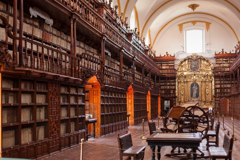 Biblioteca Palafoxiana is a library  Founded in 1646, Puebla, Mexico