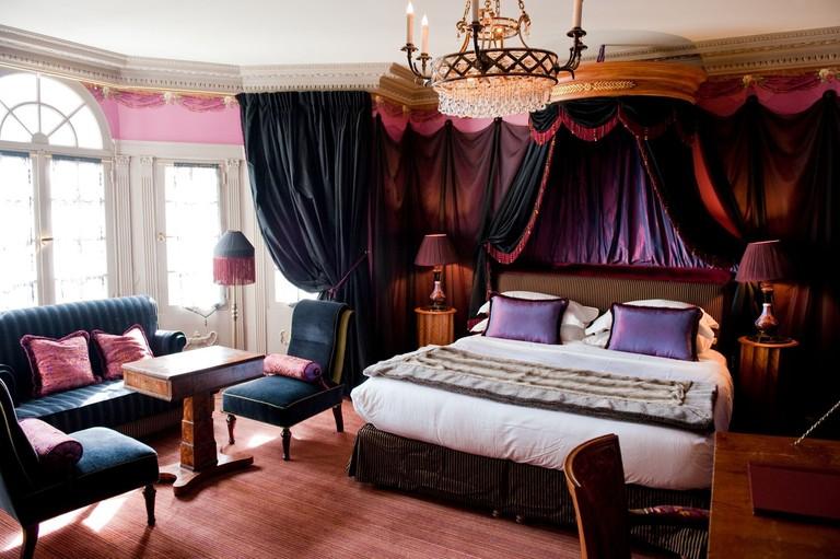 L'Hotel-fc2f1b92