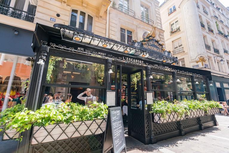 The famous L'Escargot Montorgueil restaurant is famous for snails - RGX96G