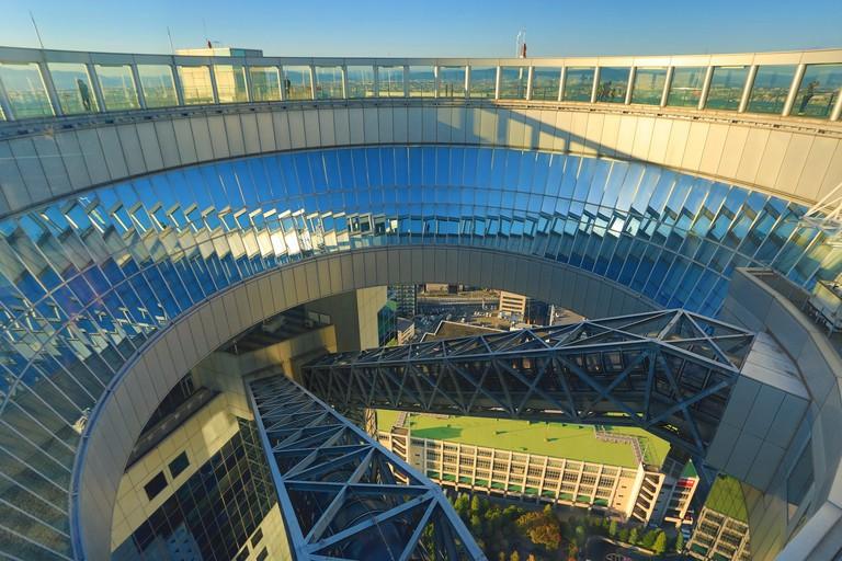 EJ0EG1 City, Japan, Asia, Kansai, Osaka, City, Sky Building, Umeda, escalators moving stairs, architecture, colourful, glass, high, no p