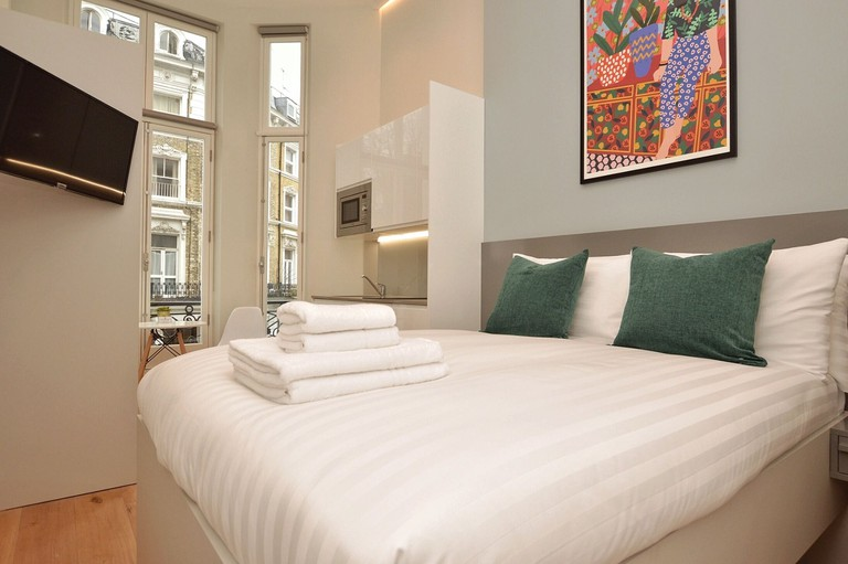 Cromwell Serviced Apartment