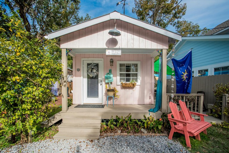 Front Beach Cottages