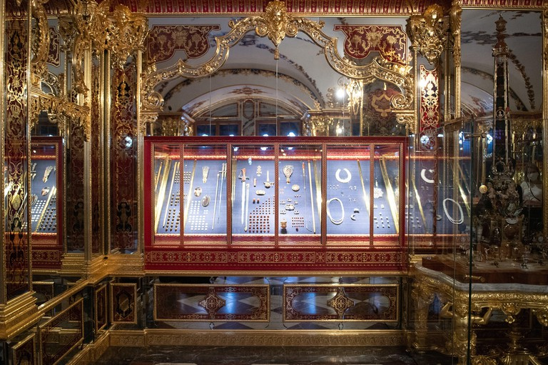 Dresden, Germany. 29th Apr, 2020. The Jewel Room in the Historic Green Vault in the Dresden Palace of the Dresden State Art Collections (SKD). The Electoral and Royal Treasury, which has been closed since the jewel theft in November 2019, is to be opened