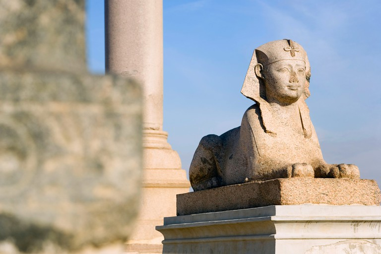 Alexandria Egypt.The Sphinx statue at Pompey s Pillar and The Serapeum. Image shot 2008. Exact date unknown.