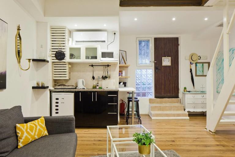 Beautiful Garden Apartment_12f94603