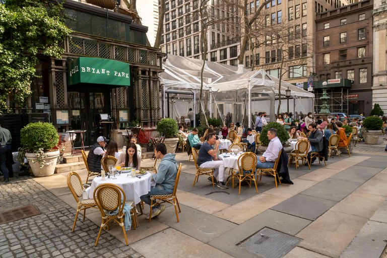 Al fresco dining at the Bryant Park Grill in Bryant Park in New York on Saturday, March 27, 2021. (© Richard B. Levine)
