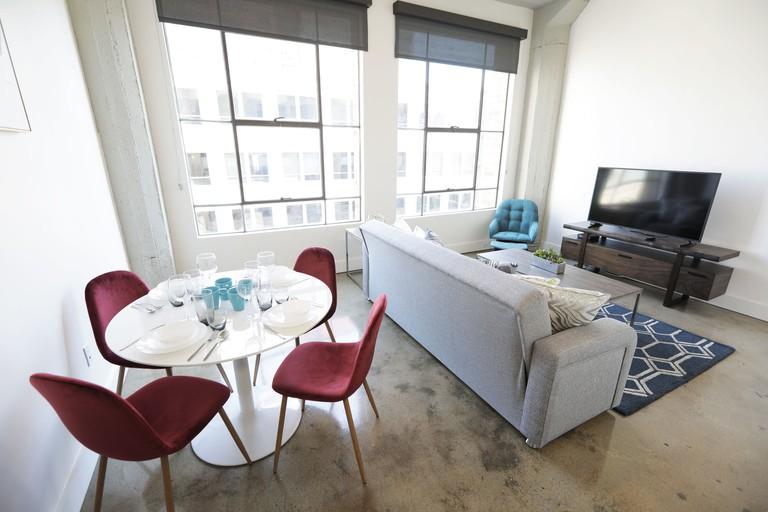 Downtown Lofty Suites