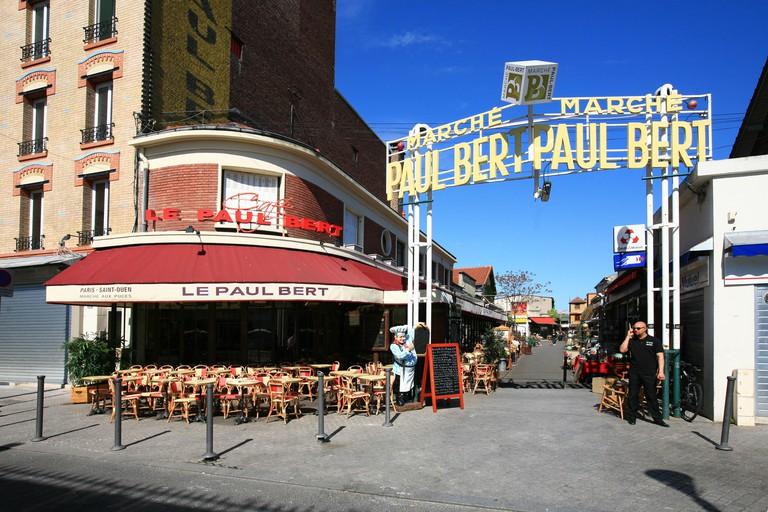 France, ile de france, paris 18e arrondissement, puces de saint ouen, entree du marche paul bert, restaurant bar, le paul bert, terrasse,. Image shot 2012. Exact date unknown.