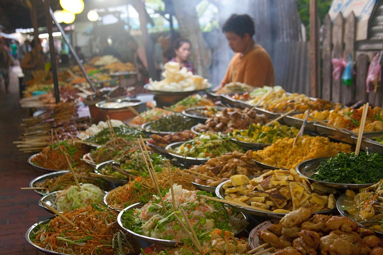 EDC24Y Street food in Vientiane Laos