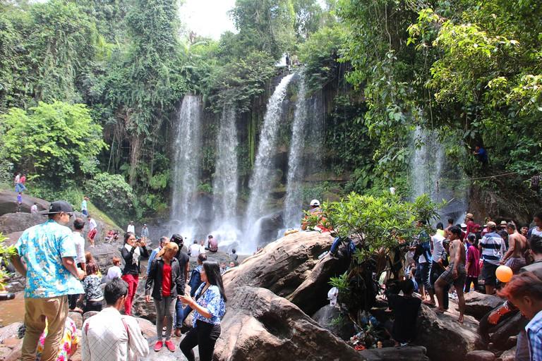 KW4TAE Tourists at Phnom Kulen Waterfall