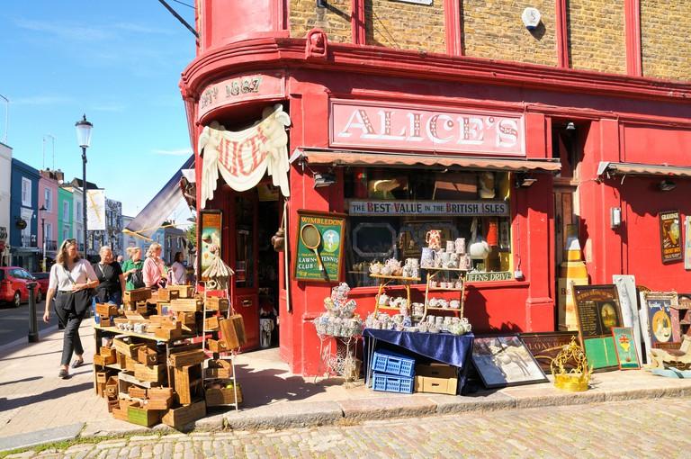 Alice's Antiques Shop, Portobello Road, Notting Hill, London W11, England, UK