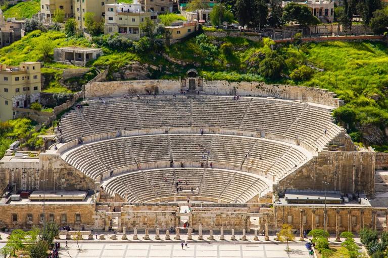 Elevated view of Roman Amphitheatre in Amman, Jordan T5WYHC