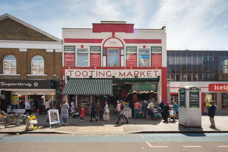 Tooting market_2D8MR5C