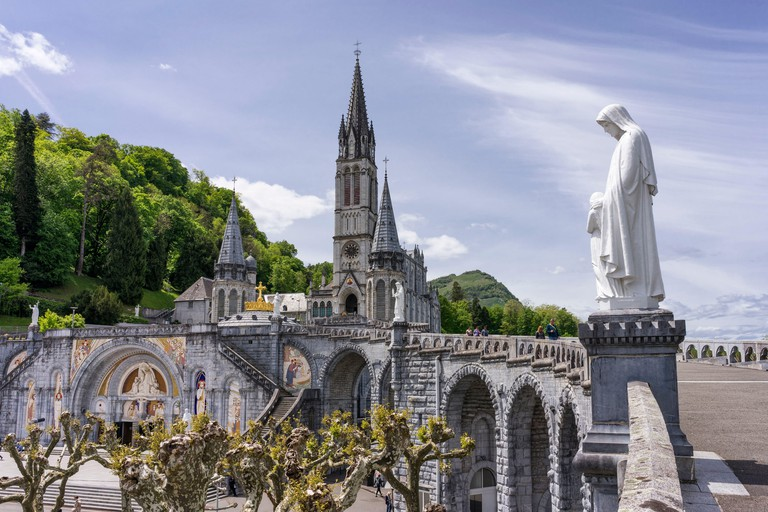 France, Hautes Pyrenees, Lourdes, Sanctuary of Our Lady of Lourdes, Basilica of the Immaculate Conception