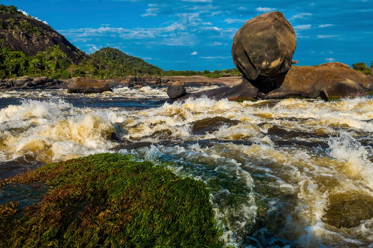 Colombia, Llanos, Vichada, Tuparro National Park, Maipure raudales , or whitewater rapids