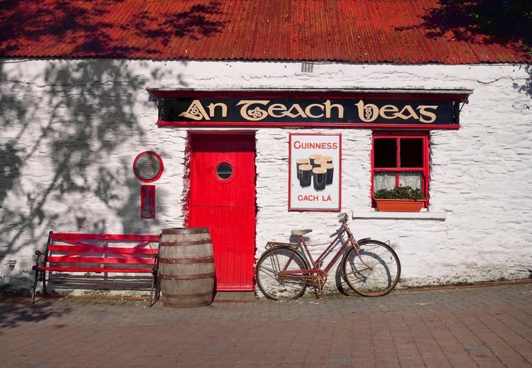Ireland, County Cork, Clonakilty, An Teach Beag, Pub and traditional music venue.