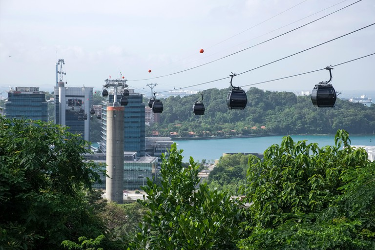 Singapore: cable car connecting Mount Faber to Sentosa Island