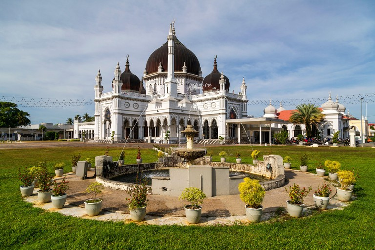 The Zahir Mosque (Malay: Masjid Zahir) is a mosque in Alor Setar, Kedah, Malaysia, and the state mosque of the state of Kedah. 2DHMCYY