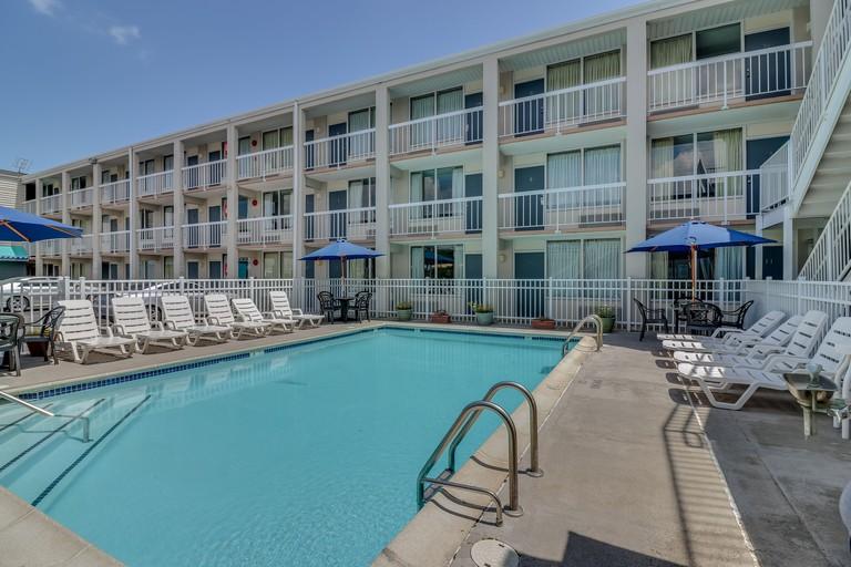 Atlantic Oceanside Resort_a351da9c