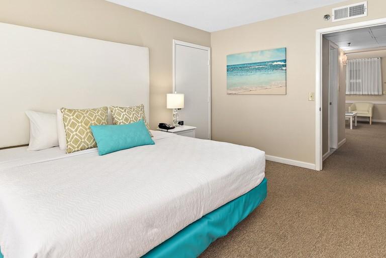 Brighton Suites Hotel_91978474