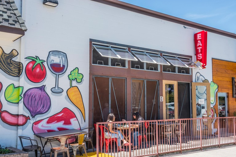 Industrial Eats is a quality-centered dining experience tucked away in a re-purposed warehouse on Industrial Way in Buellton, California.It?s tattooe