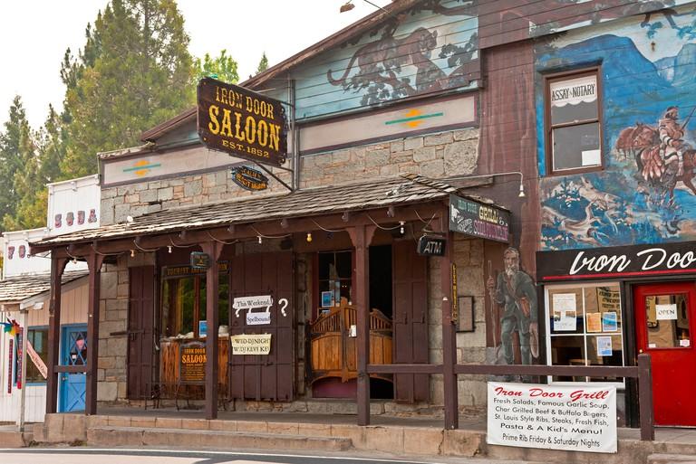 Iron Door Saloon 1852 in Groveland, a pioneer gold rush town on Route 120 near  Yosemite National Park, California, USA. JMH5267