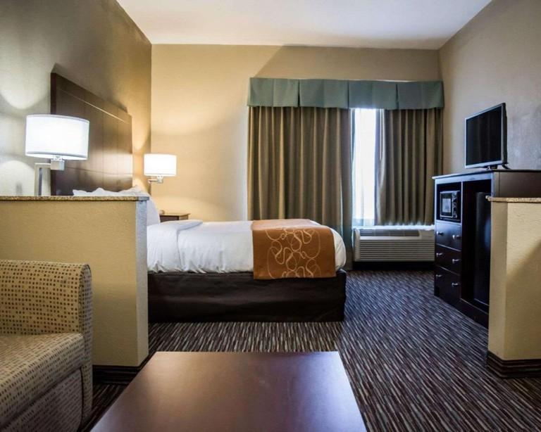 Comfort Suites Clearwater – Dunedin