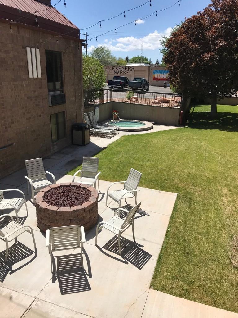 courtyard+2