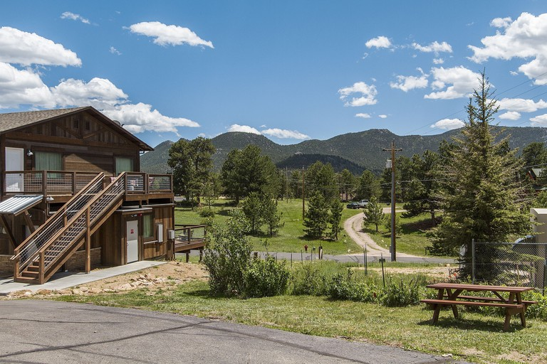 Coyote Mountain Lodge