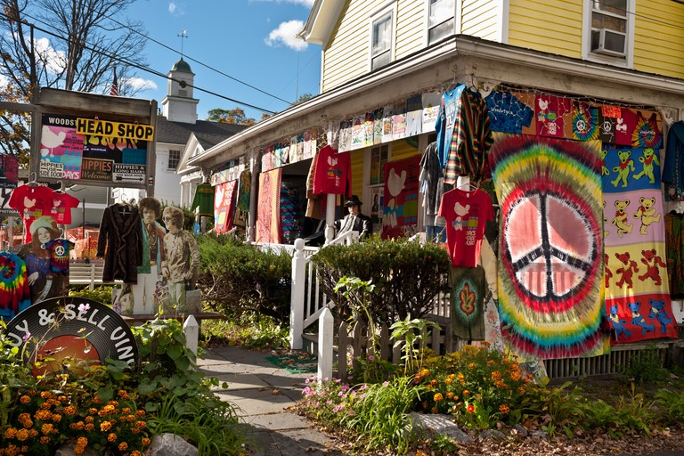 """A """"head shop"""" in Woodstock, New York State, in the Catskills"""