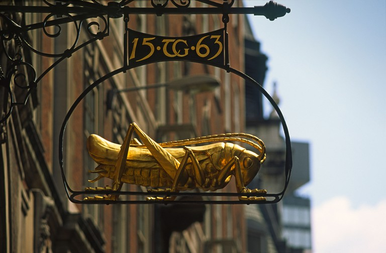 Sir Thomas Gresham's grasshopper motif in Lombard Street in the city of London. Image shot 1990. Exact date unknown.