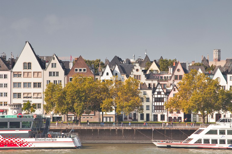 DJ8P73 The old town of Cologne across the river Rhine.