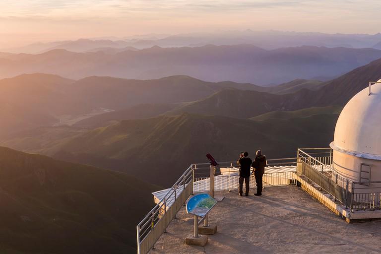France, Hautes Pyrenees, Bagneres de Bigorre, La Mongie, Pic du Midi (2877m), sunrise