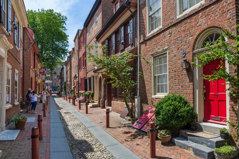 Historic Elfreth's Alley in the Old City district, Philadelphia, Pennsylvania, USA