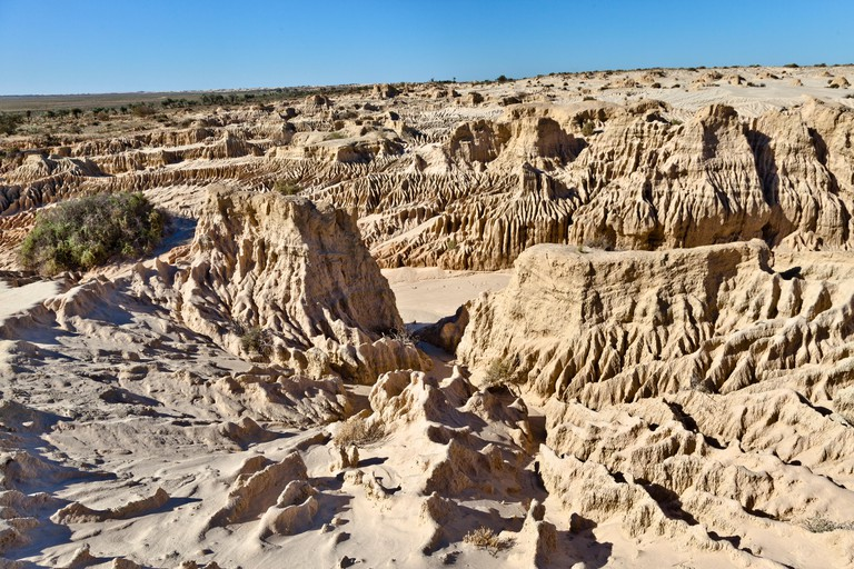Mungo National Park, erosion patterns in the ancient sedimented shores of Mungo Lake