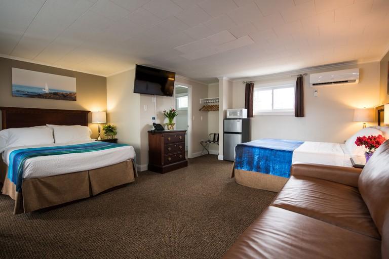 Footbridge Beach Motel_64d2dccc