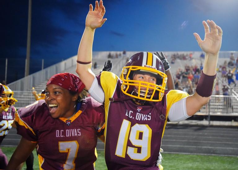 Divas RB Okiima Pickett, left, and quarterback Allyson Hamlin, GettyImages-483950406