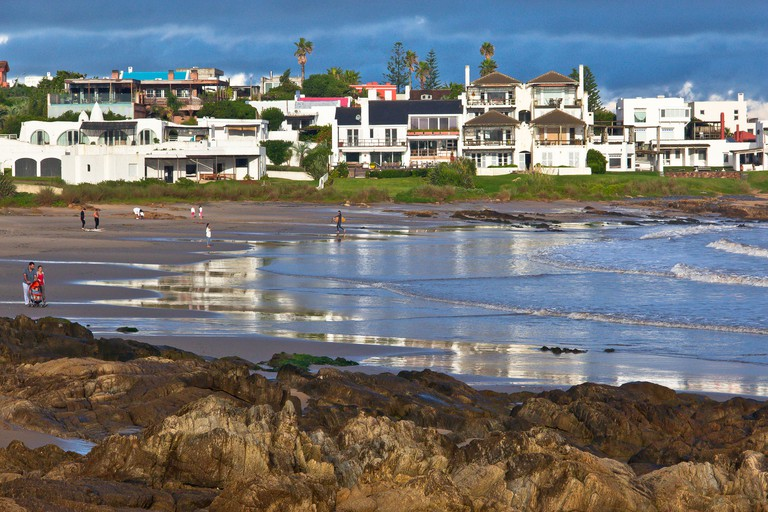 GettyImages-555097945 - La Barra is one of the most popular resorts near Punta del Este. Get people around the world in the summer, to relax, water sports and other activities. The place is valued for its beauty, tranquility and security.