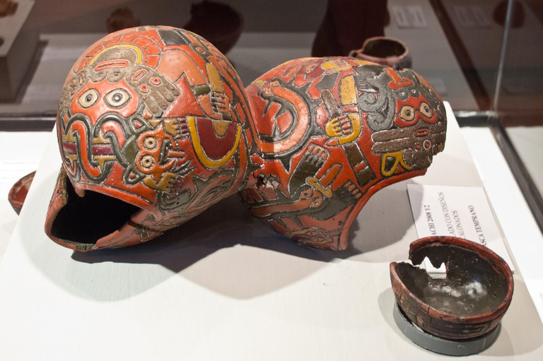 Artifact on display at Museo Didactico Antonini in Nazca town.