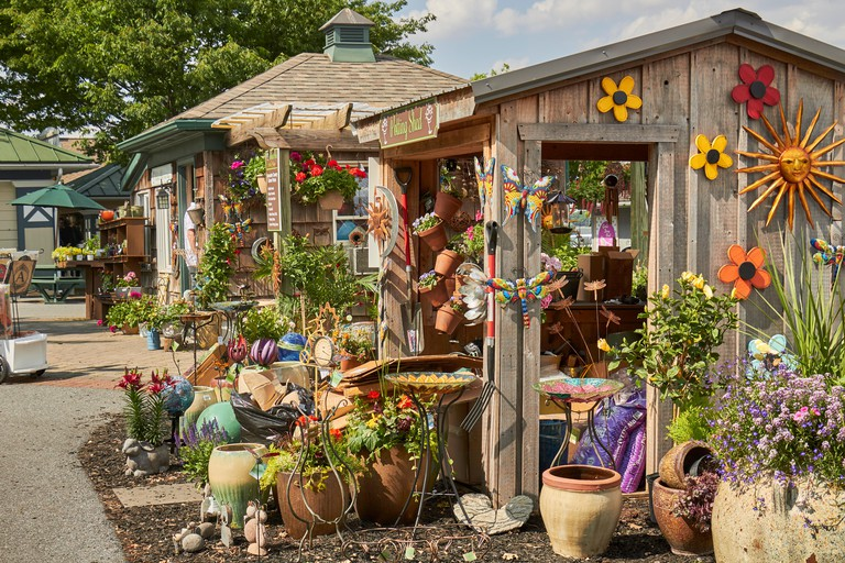 A garden supply shop at Kitchen Kettle Village, Intercourse, Amish Country, Lancaster County, Pennsylvania, USA - MT847J